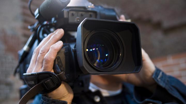 С показа на ММКФ сняли фильм о влюблённых скинхедах. Режиссёр не понял: Без объяснения причин