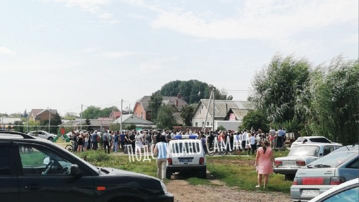 Вместо сквера торговые точки: жители поселка под Самарой выступили против строительства магазинов
