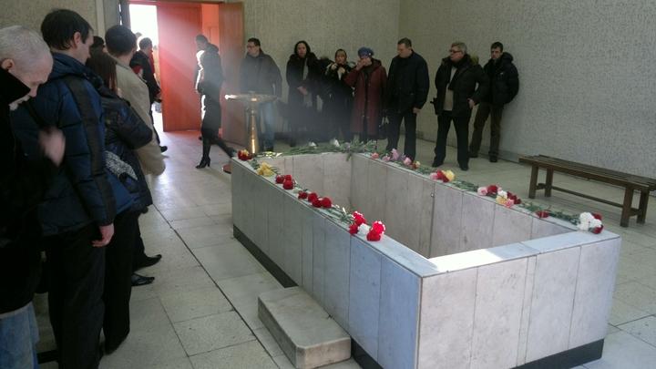 Из гроба донеслись посторонние звуки: В новосибирском крематории родственников перестали пускать к умершим