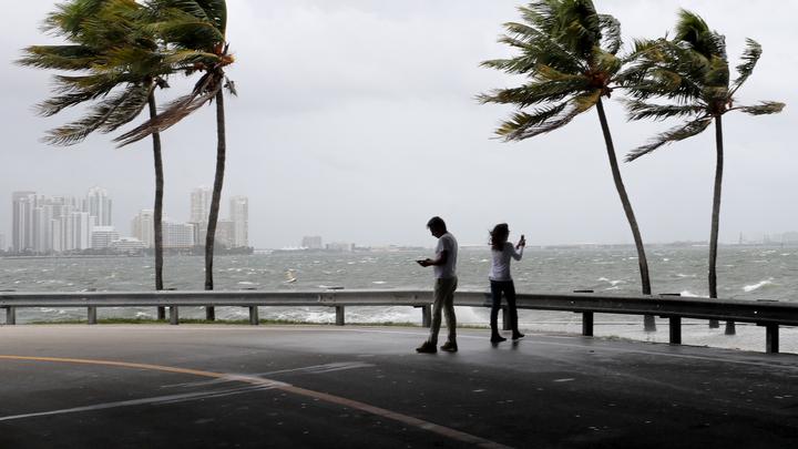 Для граждан России в США открыта горячая линия из-за урагана Ирма