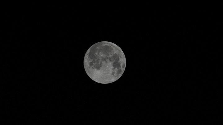 Академик РАН призвал поспешить с завоеванием Луны: Там целые залежи