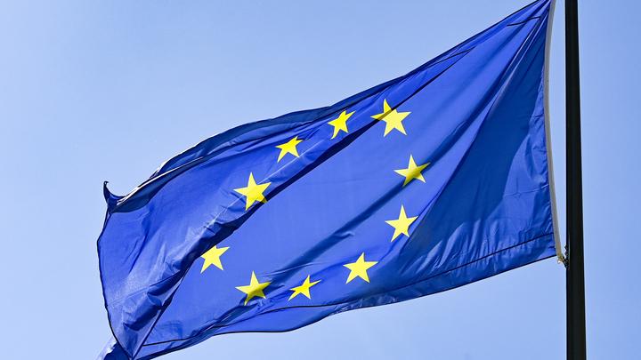 Европарламент захотел построить в России демократическое общество
