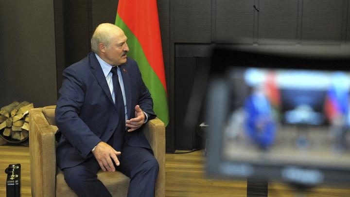 Лукашенко призвал Россию дать Минску новый кредит