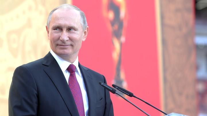 Большая часть жителей России доверяет Владимиру Путину