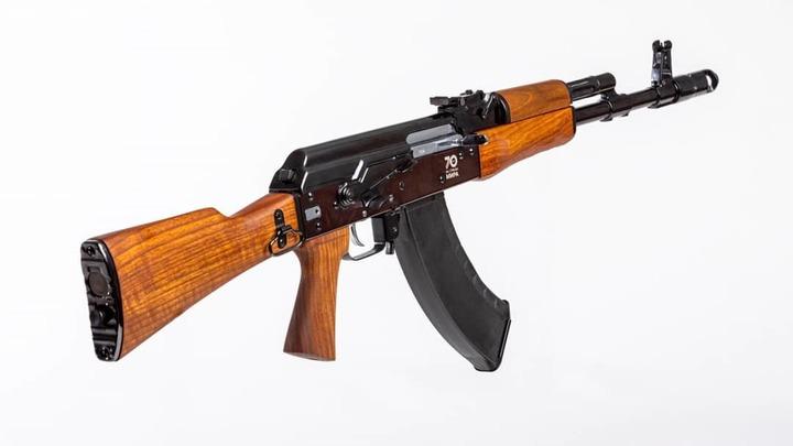 В Новосибирске задержали мужчину, который хотел начать стрельбу в кафе из-за картошки