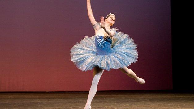 30 млн просмотров: 13-летняя балерина взяла на вооружение методы спортсменов