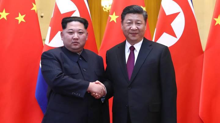 Китай ответил на развязаннуюСША войну крепким рукопожатием с Ким Чен Ыном