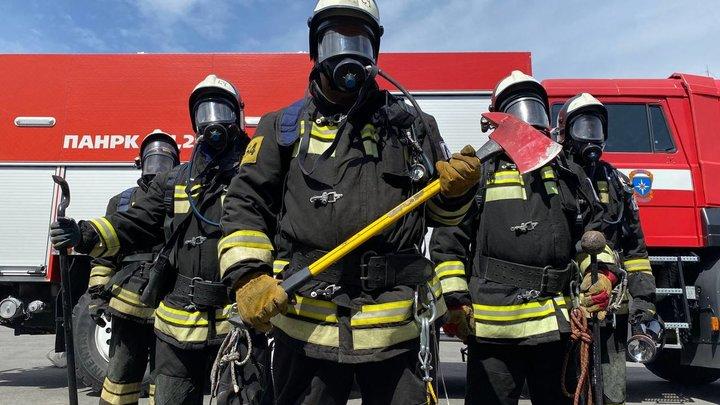 Погибших при взрыве на Сормовской нефтебазе пожарных вспоминают сегодня в Нижнем Новгороде