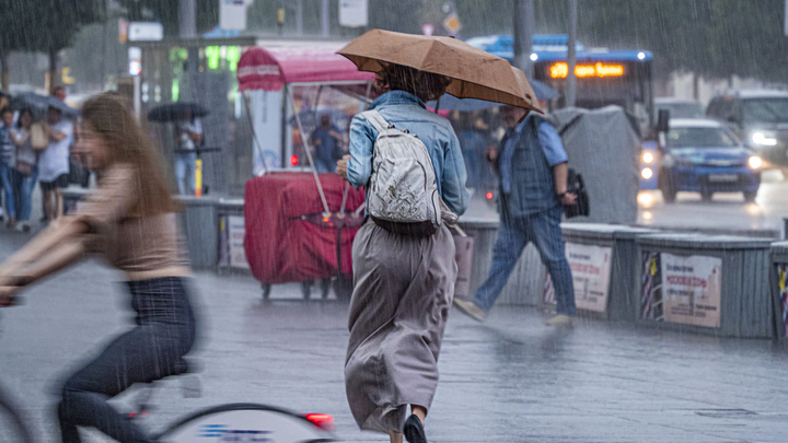 Ливень, град и смерчи: на Кубани объявлено штормовое предупреждение из-за непогоды