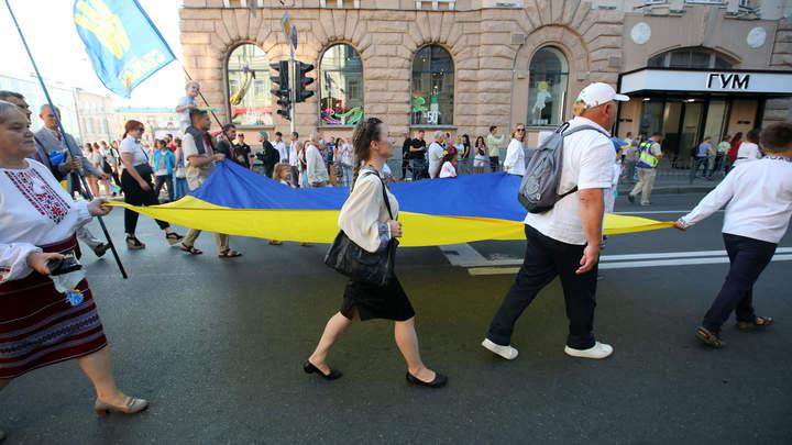Ему ещё и орден дадут. Для кандидата в Госдуму от КПРФ Бондаренко готово убежище на Украине