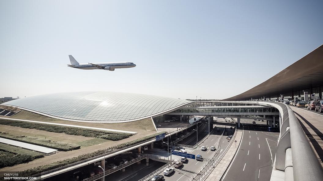 В Самаре экстренно сел самолет с рожающей пассажиркой