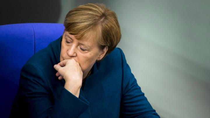 Трон под Меркель накренился