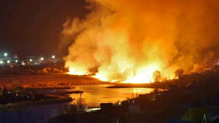 Страшный пожар в Ширяеве: в национальном парке горело озеро