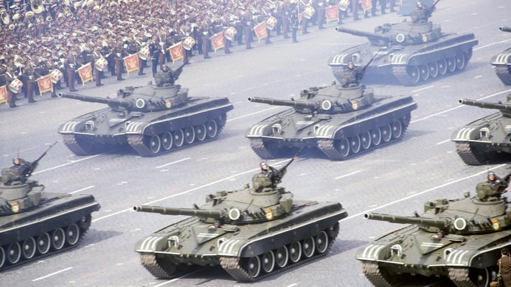 В США опубликовали секретные снимки ЦРУ с парадов на Красной площади - фото