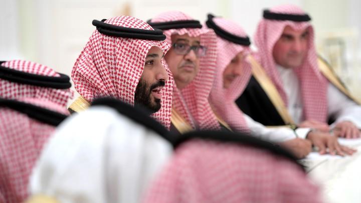 Пытаются сломить их волю: СМИ сообщили о пытках задержанных саудовских принцев