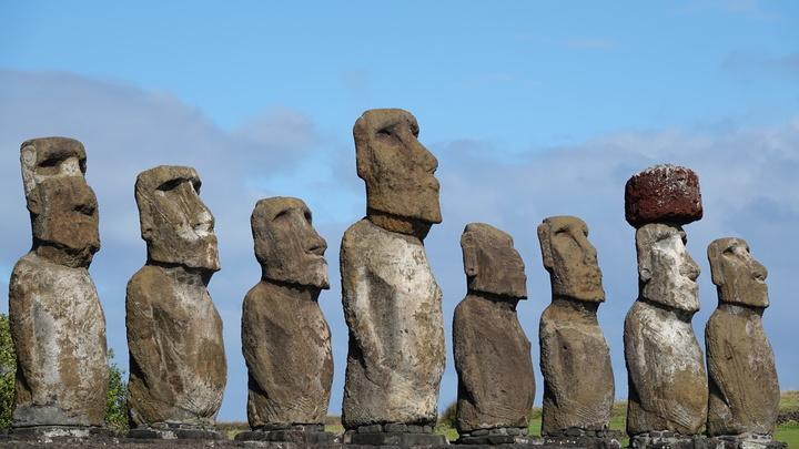Что они охраняют? Археологи открыли тайну почти тысяч истуканов-моаи с острова Пасхи