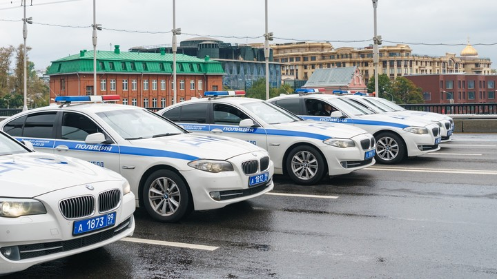 В Москве задержаны двое мужчин, избивших полицейского