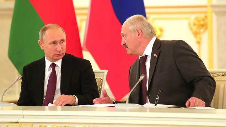 Для конспирологов: Детали встречи Путина и Лукашенко и букет цветов для Трампа