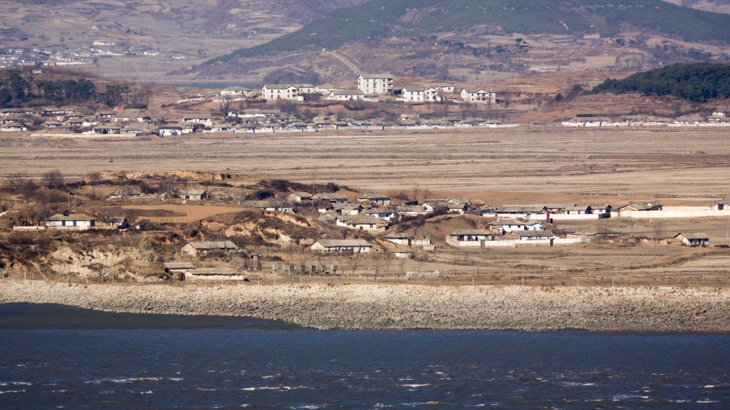 ВКНДР пригрозили США войной вответ навведение морской блокады