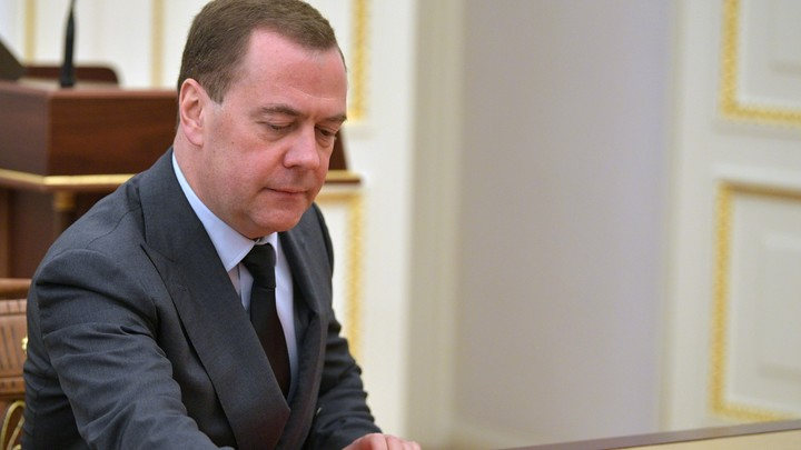 Медведев додумался сравнить Нобелевскую премию с чемпионатом мира по футболу