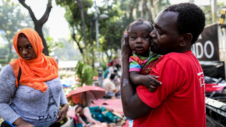 На 15 млн жителей 20 COVID-коек: В какой стране коронавирус может выкосить половину населения