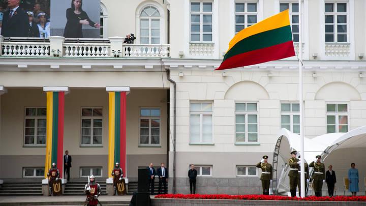 Литва не планирует отзывать посла в Белоруссии, несмотря на пинок из Минска