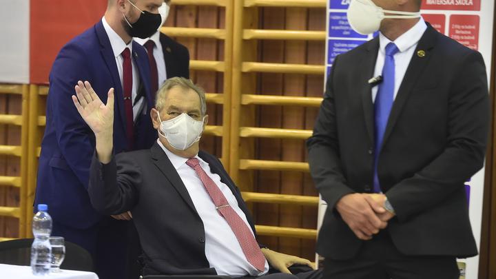 Президент Чехии госпитализирован: Источник уточнил детали
