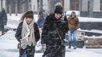 Чучело сожгли, а зима не уходит: Синоптики обещают москвичам сильные морозы