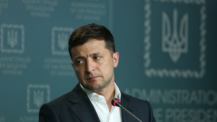 Экс-депутат Рады: Украинцы устали от войны, но Зеленский слушает только США
