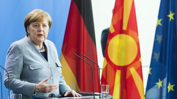 Меркель отправилась в Грецию ради вступления Македонии в ЕС и НАТО