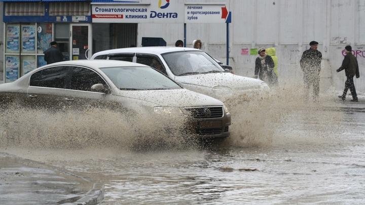 Петуховское водохранилище: Новосибирцы пожаловались на залитую водой улицу