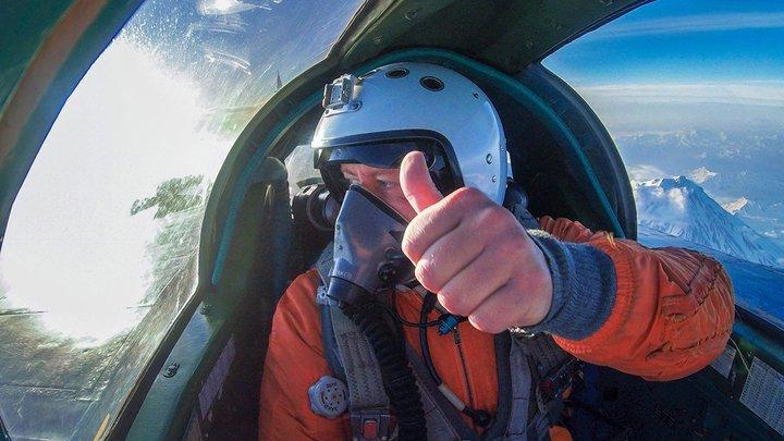 А что, война?: В Казани жителей напугали низко летающие истребители и вертолеты