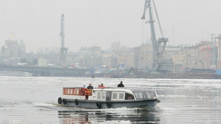 Катер влетел в баржу на полном ходу: Подробности трагедии в Сургуте