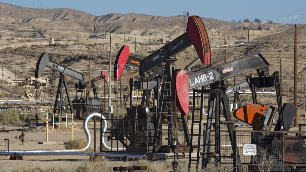 США запасаются нефтью в усиленном режиме