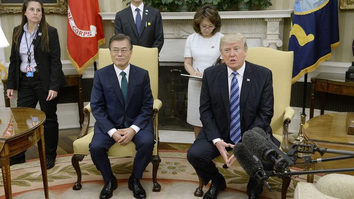 В Белом доме раскрыли, о чем Трамп советовался с Мун Чжэ Ином
