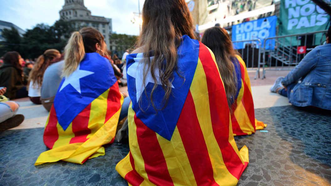 Курс евро кдоллару упал нафоне новостей изКаталонии