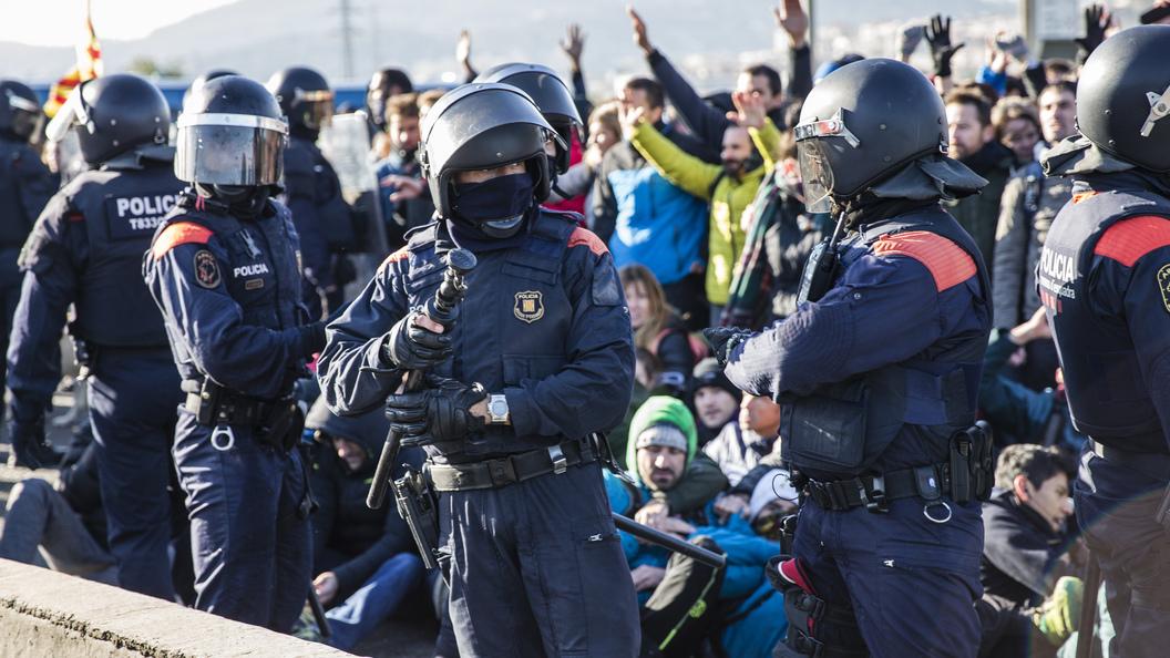 Испанский полицейский умер после беспорядков сучастием болельщиков «Спартака»
