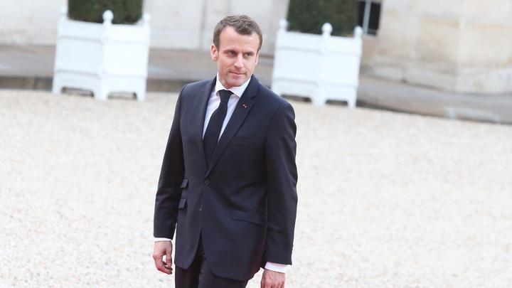 Макрон попытался внушить французам, что он «народный» президент