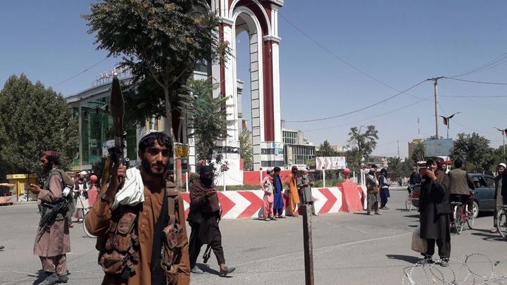 Талибан* начал мирное наступление на Кабул по всем фронтам: Захвачен университет