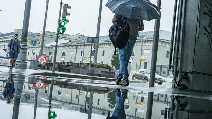 В Беларуси из-за ливней и ветра объявлен оранжевый уровень опасности