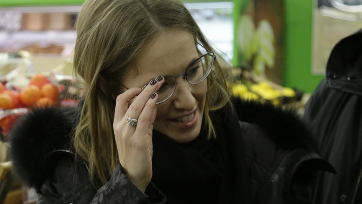 В украинском посольстве недоумевают, куда Собчак отправила запрос для поездки в Крым