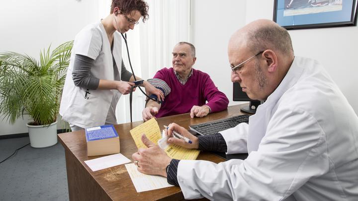 Давление повысится, пульс участится: Медики посоветовали, как пережить барическую пилу