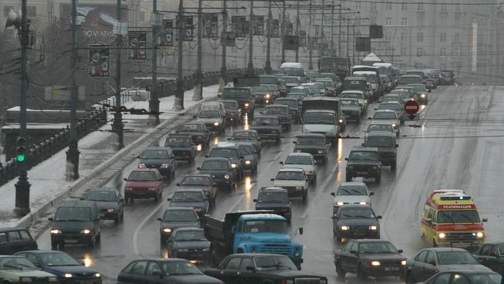 В Москве полностью заменят гранитную облицовку Большого каменного моста