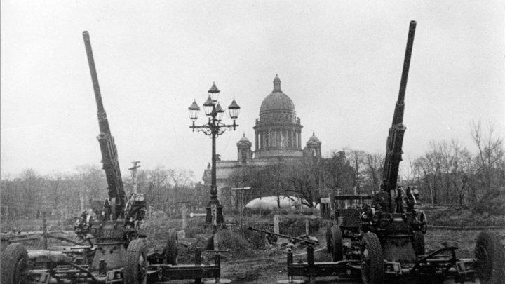 Жители Ленинграда, вам хочется жить!: Опубликован твит Радио Свобода от 1941-го