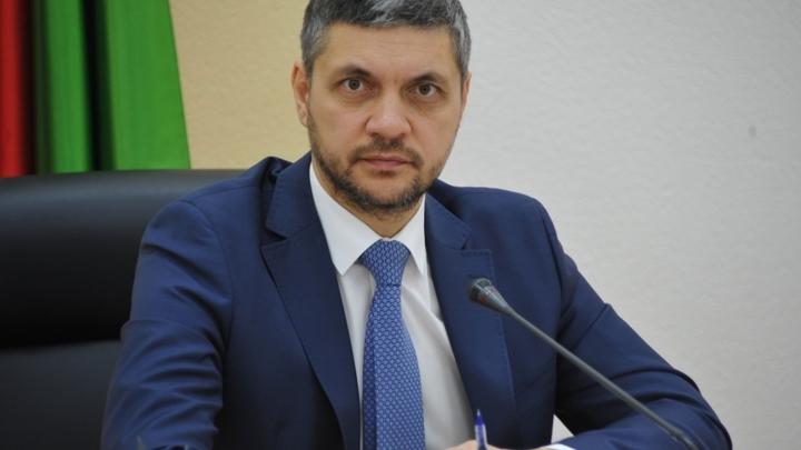 Александр Осипов продолжил падение в медиарейтинге губернаторов
