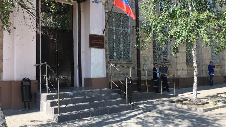 Суд до октября продлил арест экс-главы Аксайского района Виталия Борзенко