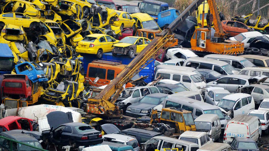 Дворкович назвал новый размер утилизационного сбора наавтомобили