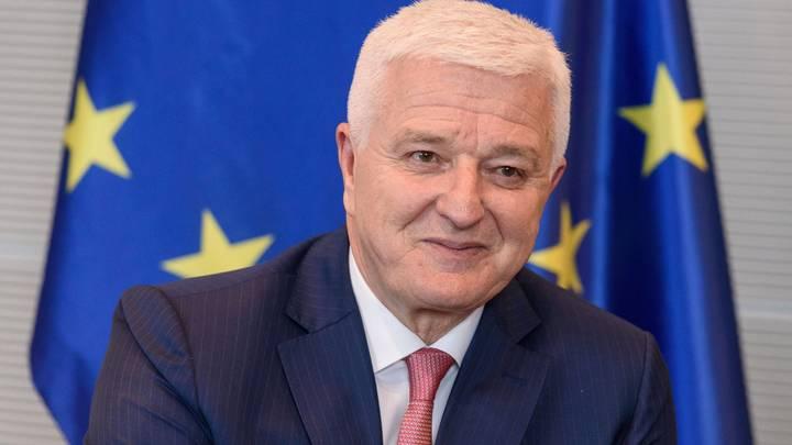 Премьер Черногории объяснил, что стоит за слухами о приостановке антицерковного закона