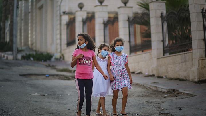 Они никогда не заболевают COVID: Выявлена коронавирусная аномалия у детей
