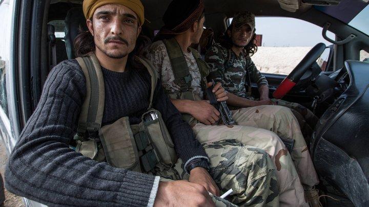 Убийство 6российских военных в Сирии: Эксперты рассказали, как боевики лепят винегрет изновостей для вбросов